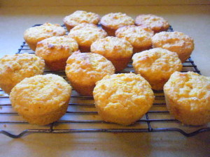 Cornmeal muffins with apricot and carrot